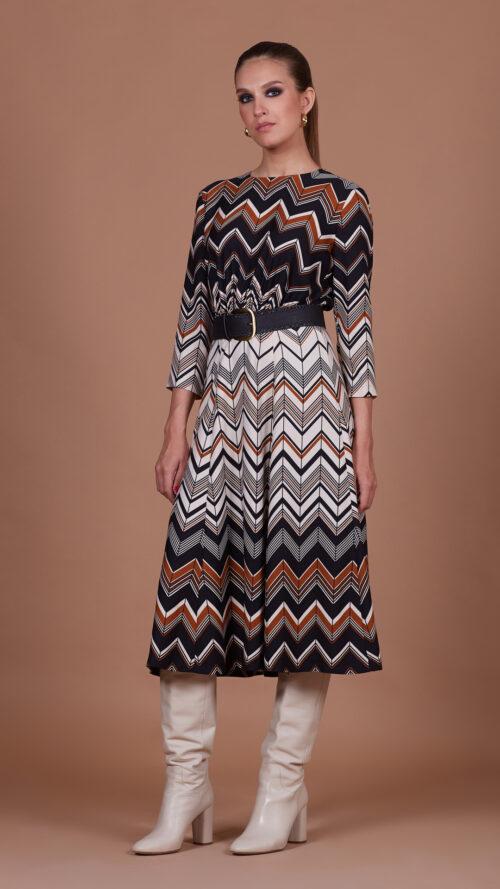 667eed5aedf6f60d29873d705dca714f 500x889 - Платье 35711 с геометрическим принтом и ремнем